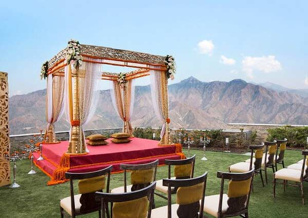 Best Locations For a Mountain Wedding